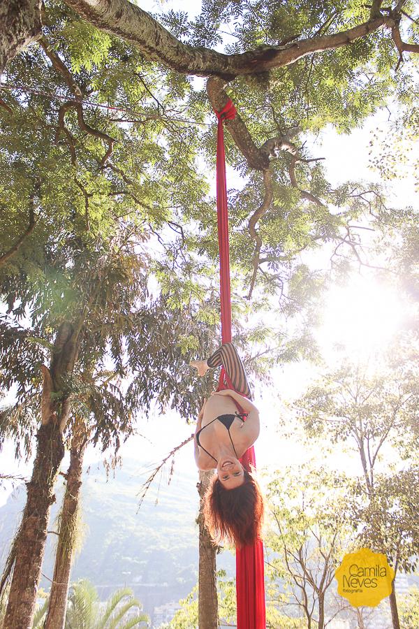 gravida tecido acrobatico